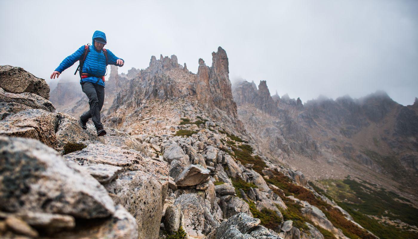 Dlaczego warto kupić kurtkę przeciwdeszczową The North Face? • PORADNIK