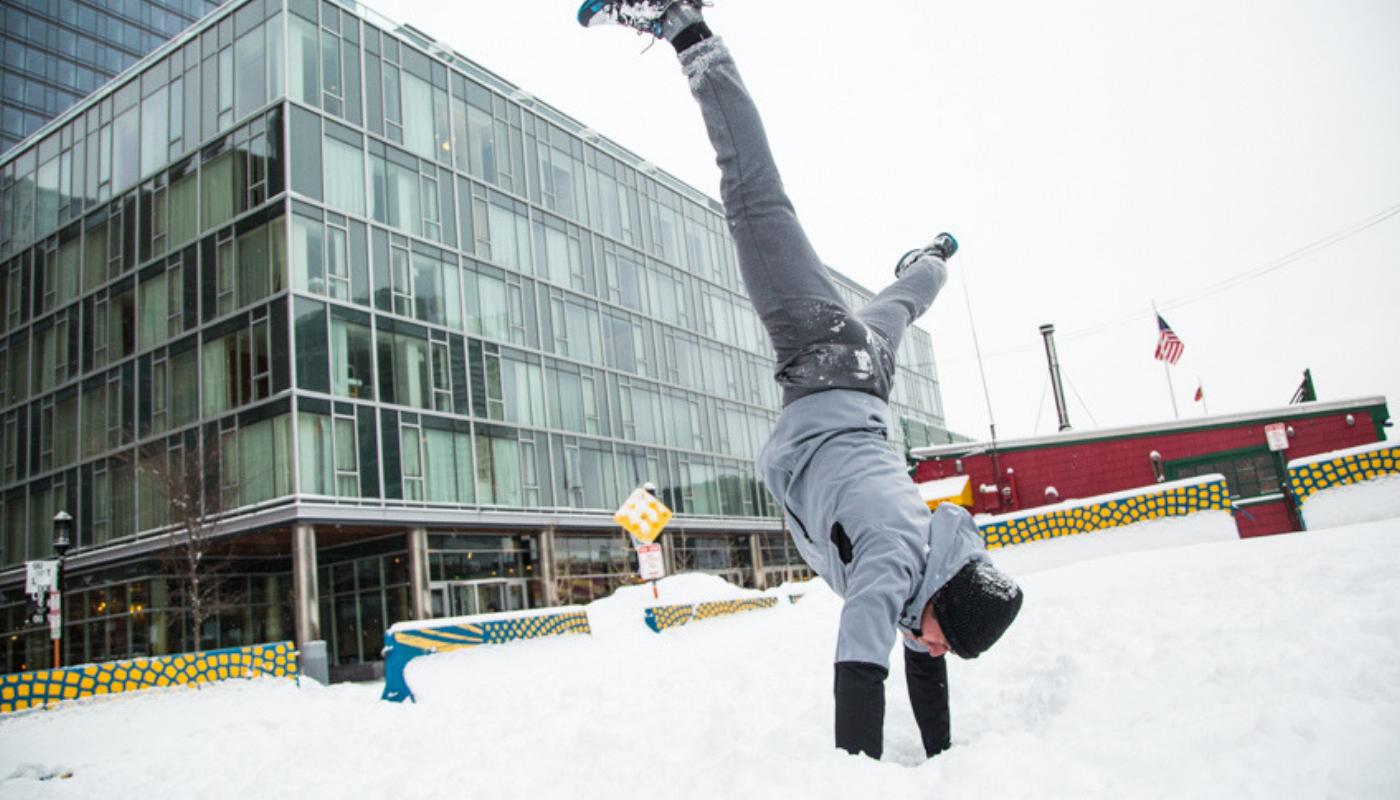 Najlepsze aktywności fizyczne na sezon zimowy • PORADNIK