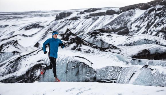 Dlaczego warto biegać zimą? Zalety i porady