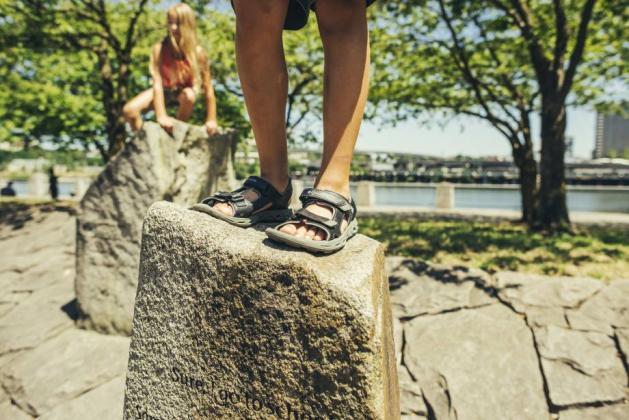 Co zrobić żeby sandały nie obcierały?